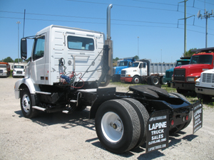 VOLVO VNM42T      CONVENTIONAL TRACTOR