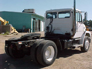 FREIGHTLINER FL70        CONVENTIONAL TRACTOR