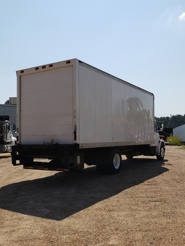 FREIGHTLINER FL70  CAB + CHASSIS